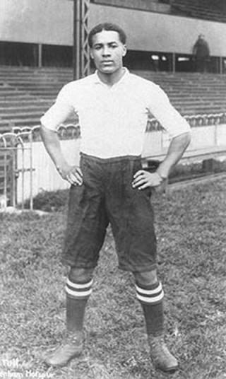 Walter Tull in his Tottenham Hotspur kit | Phil Vasili/Finlayson Family Collection