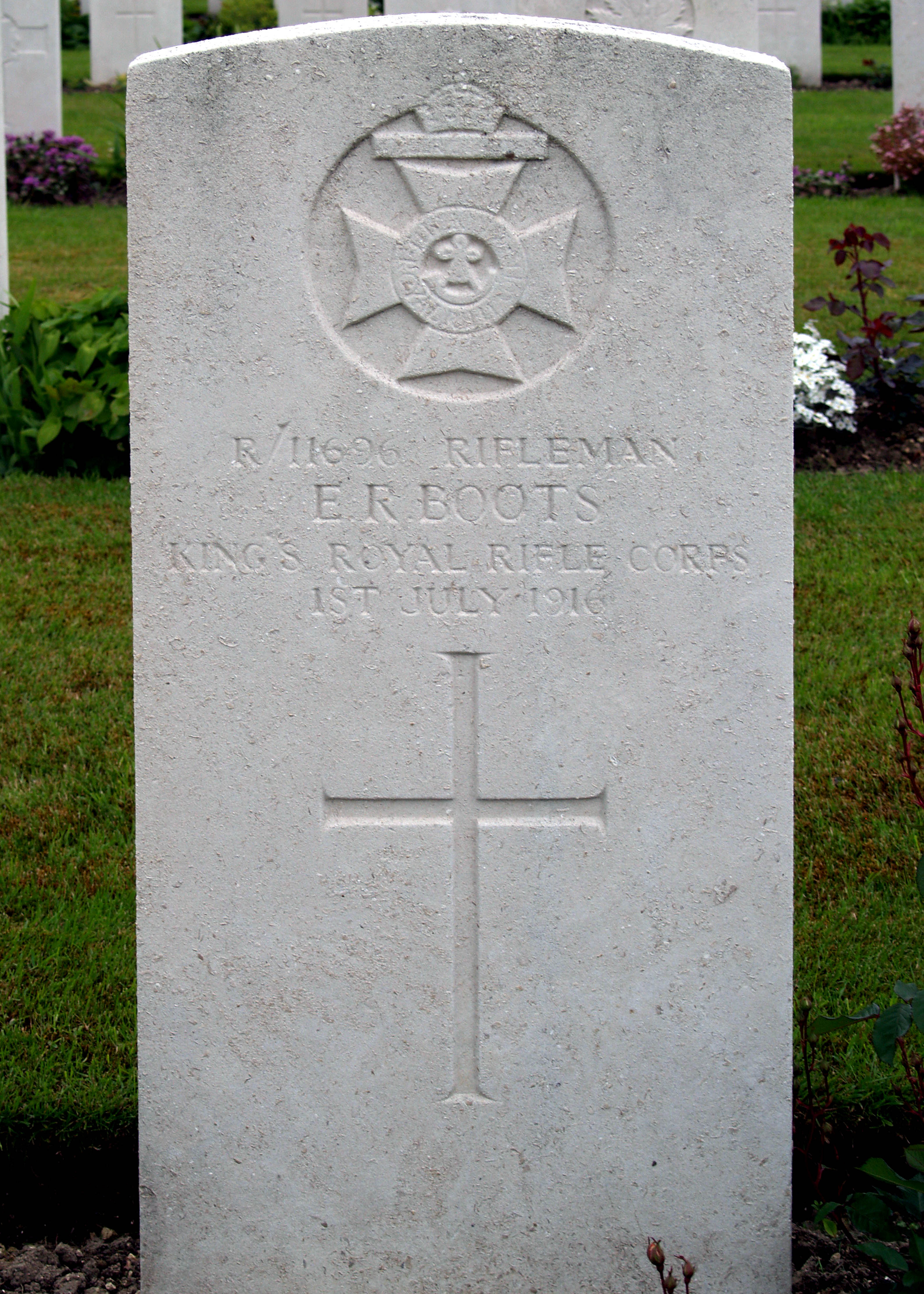 Private Ernest Boot's grave at Maroc Cemetery France.